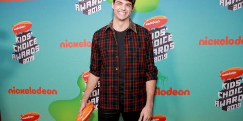 Noah Centineo attends 2019 Kids' Choice Awards + Wins Favorite Actor!